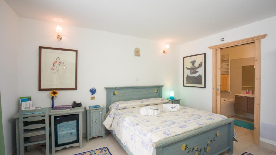 Double Room 1-2 guests